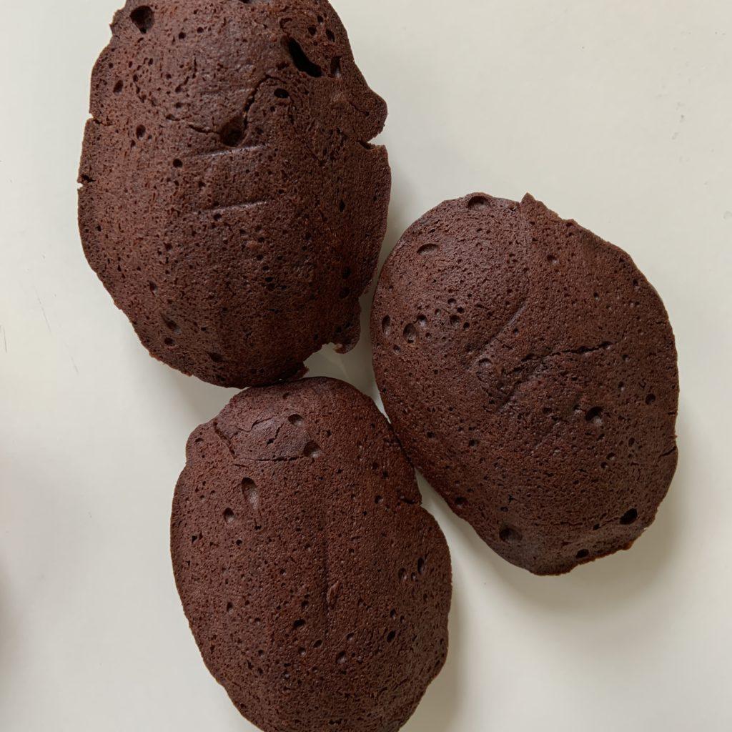 Chocolate madeleines (back)
